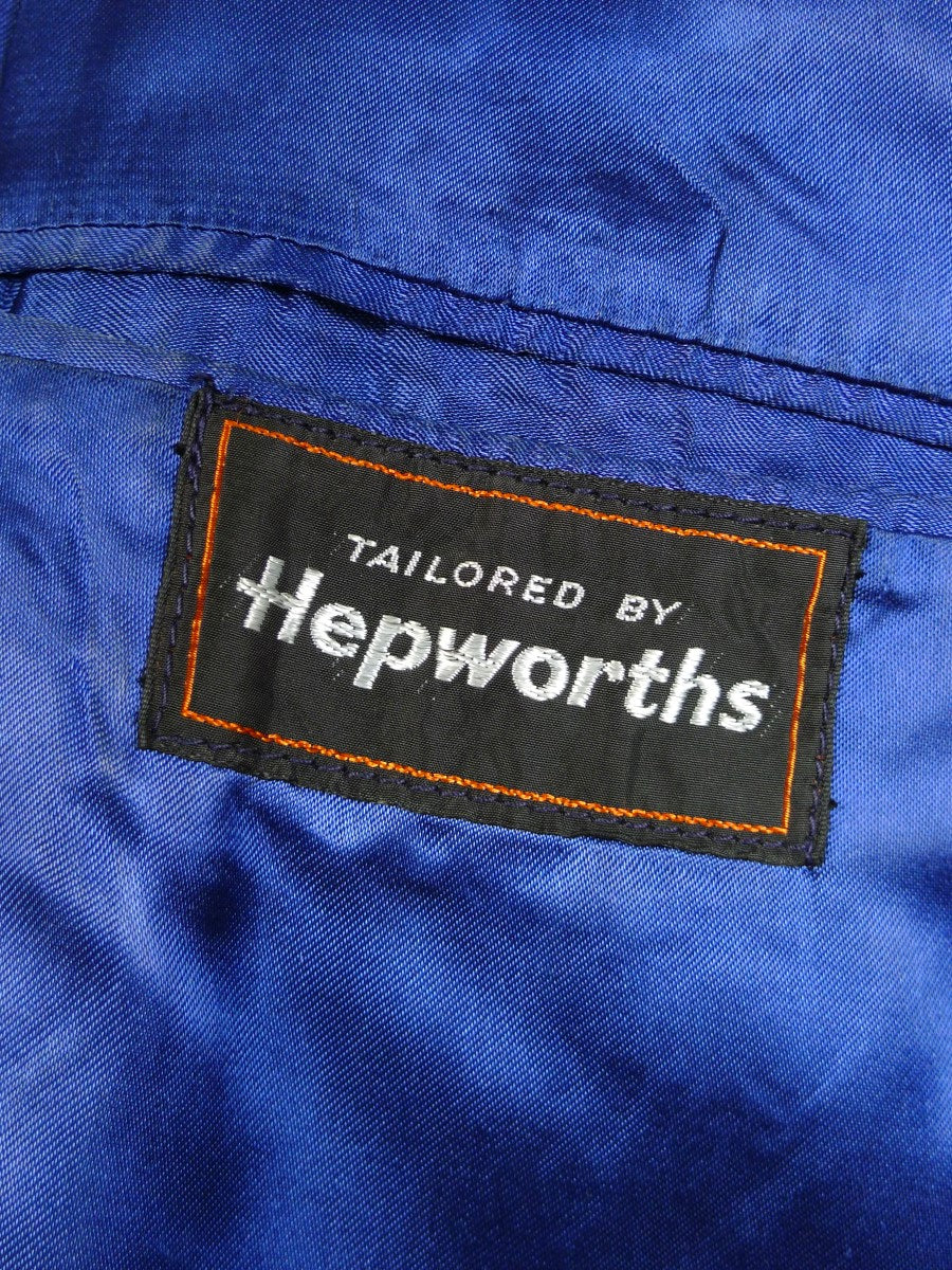20/0241 wonderful genuine vintage heavyweight crombie w/ electric blue lining 41-42