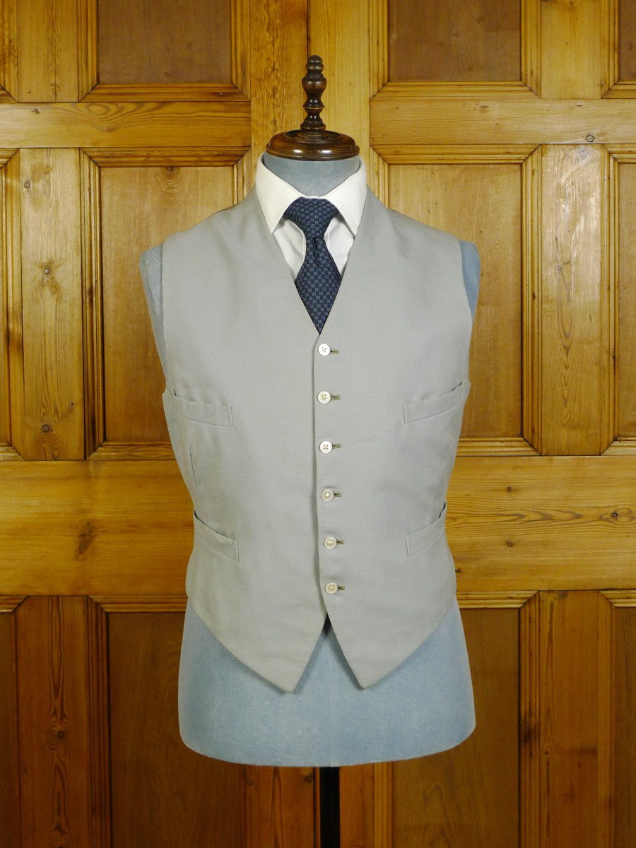 20/0261 vintage 1950 bespoke tailored dove grey worsted morning waistcoat w/ silk back 41 short