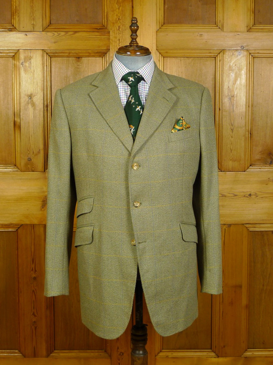 20/0329 immaculate mark powell london bespoke tailor green wp check tweed hacking style jacket 45-46 long