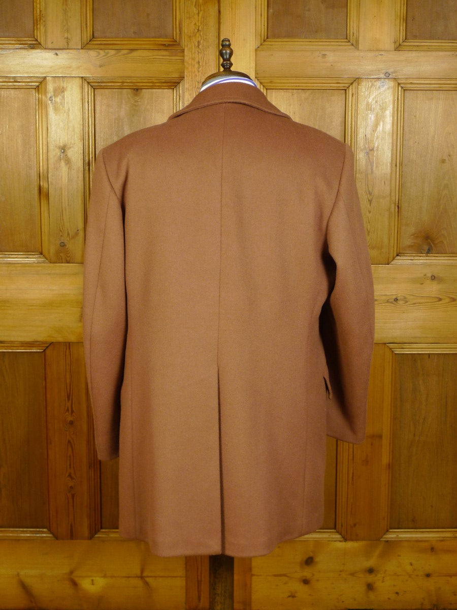 20/0342 immaculate vintage austin reed wool & 15% cashmere tan british warm style overcoat 45-46 regular
