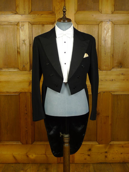 20/0476 immaculate 1954 vintage savile row bespoke black barathea wool evening tailcoat 38-39 long