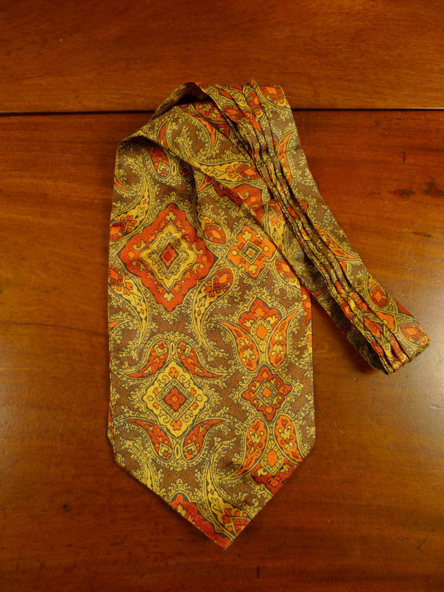20/0577 immaculate vintage bronze tootal paisley rayon cravat