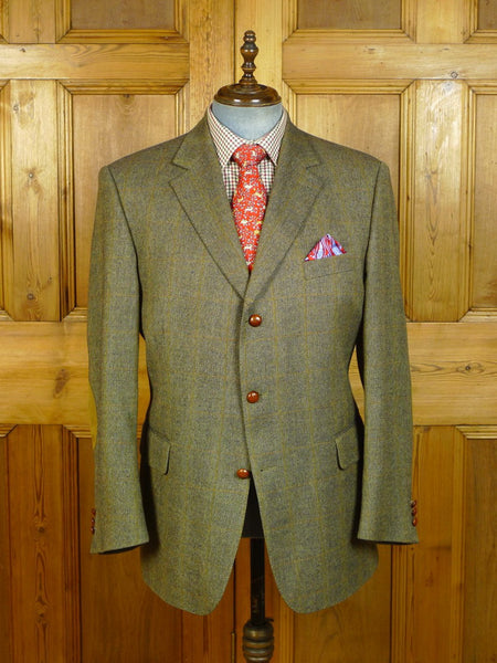20/0609 immaculate burberry green wp check tweed jacket w/ elbow patches 45 short to regular