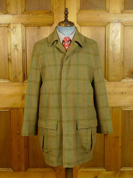 20/0640 superb vintage invertere windowpane check tweed field coat w/ wool lining 40