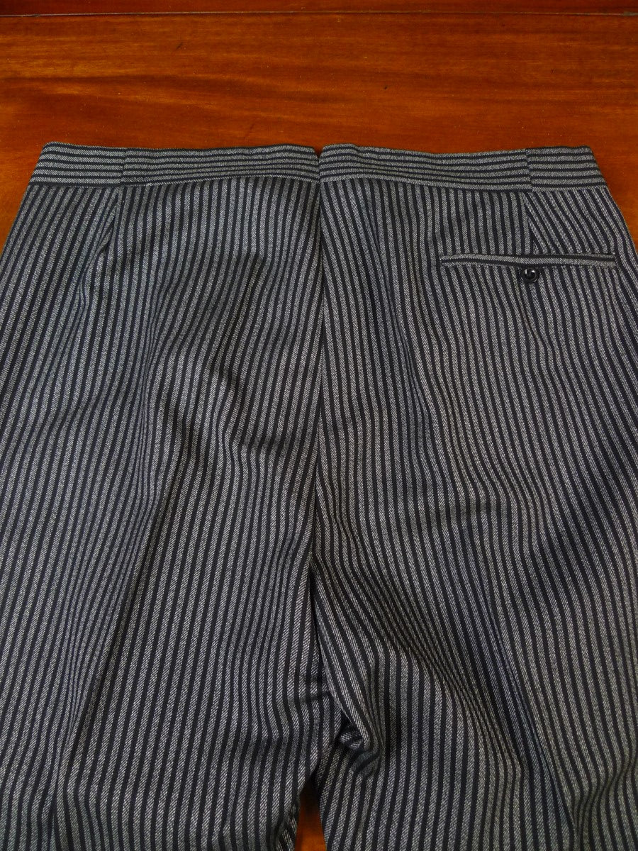 20/0752 immaculate vintage bespoke tailored high-rise worsted morning trouser 36