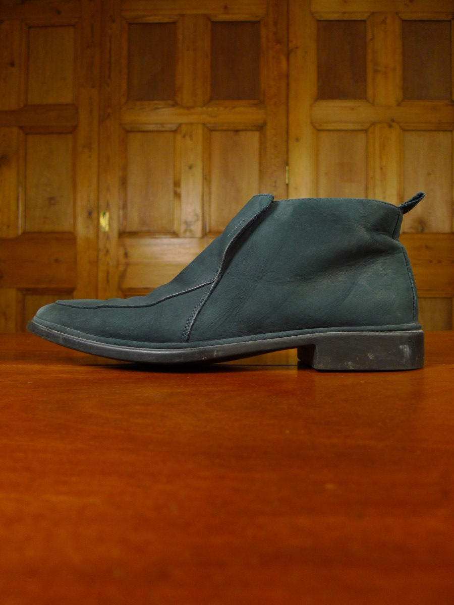 20/0823 bally raza suede ankle boot 7.5 e
