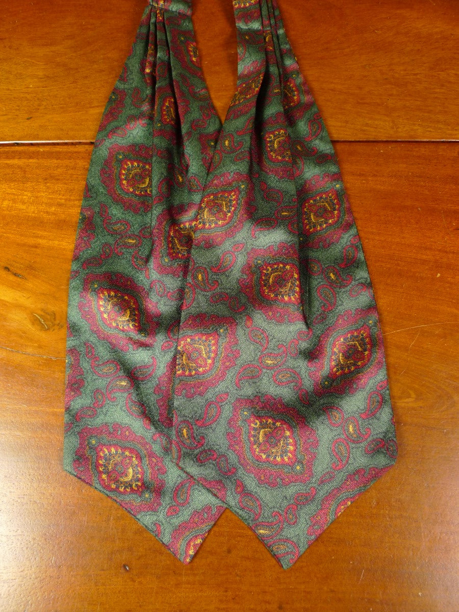 20/0848 immaculate tootal green maroon paisley design silk cravat