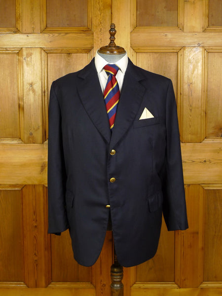 20/0865 near immaculate gieves & hawkes savile row bespoke navy blue worsted blazer w/ special buttons 50 short to regular