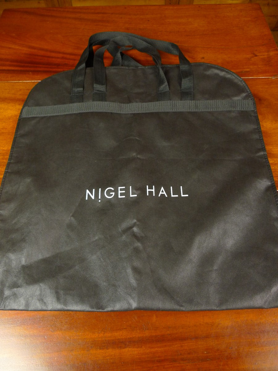 20/0902 immaculate nigel hall covent garden black woven suit bag carrier