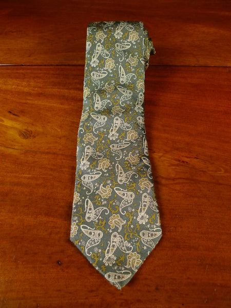 20/0933 IMMACULATE gieves & hawkes green paisley PATTERN SILK TIE