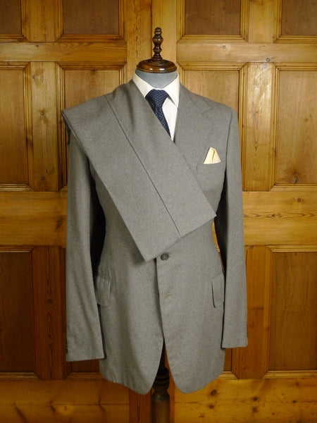20/0962 vintage vincents of savile row grey worsted flannel suit 39 extra long