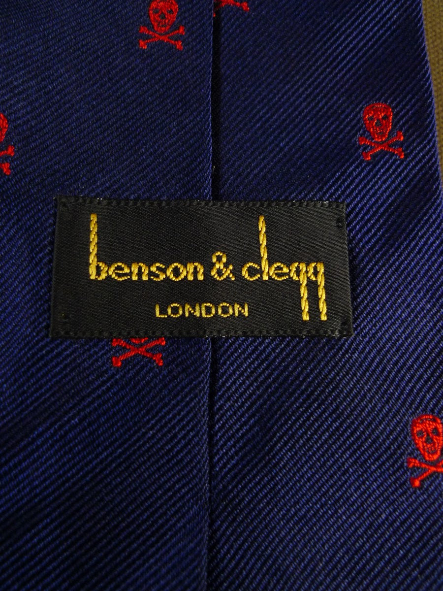 20/1204 immaculate benson & clegg navy blue red skull & crossbones motif SILK TIE