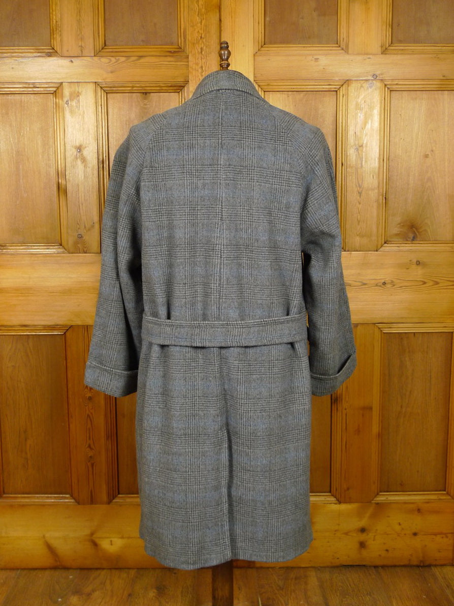21/0152 exceptional genuine 1950s 1960s vintage italian tailored grey / blue glen check extra heavyweight wool & cashmere d/b overcoat w/ back strap 41-42 regular