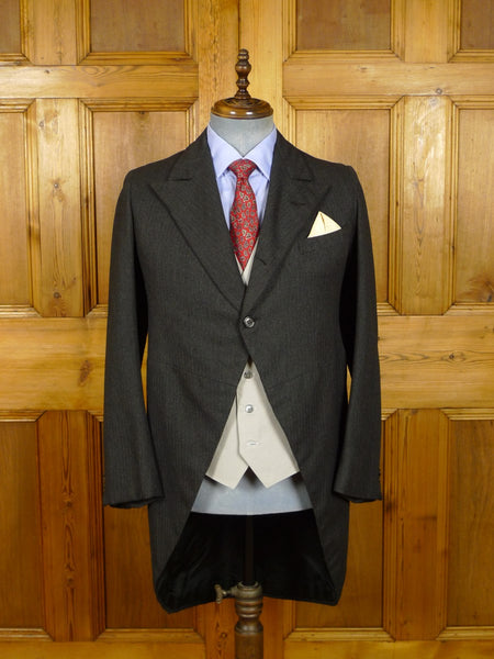 21/0211 vintage 1940s 1950s bespoke tailored grey herringbone worsted morning coat 40 short to regular