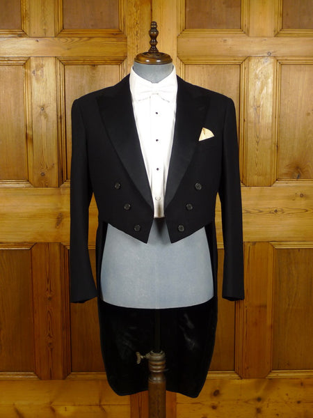 21/0294 immaculate VINTAGE 1956 HEAVYWEIGHT BLACK WOOL EVENING TAILCOAT 40 short to regular