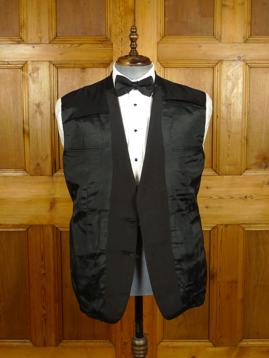 21/0454 vintage savile row bespoke black barathea wool dinner jacket w/ silk facings 42 short