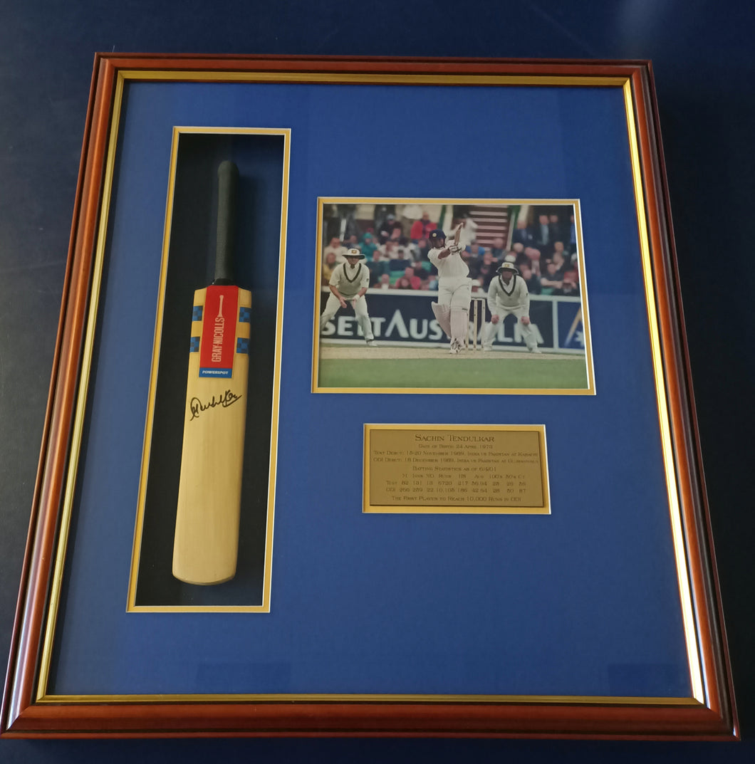 Sachin Tendulkar Signed bat and photo display - Heroes Framing & Memorabilia