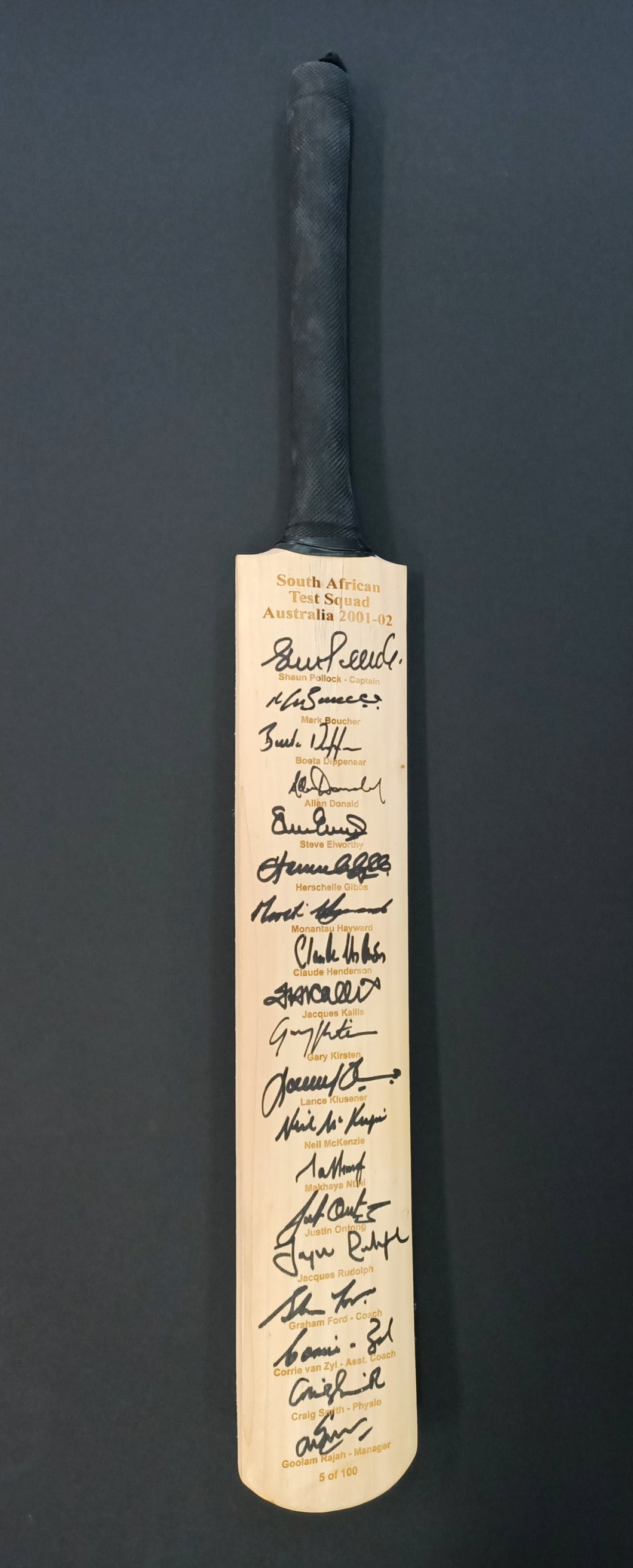 South African Test Squad Australia 2001-02 signed bat - Heroes Framing & Memorabilia