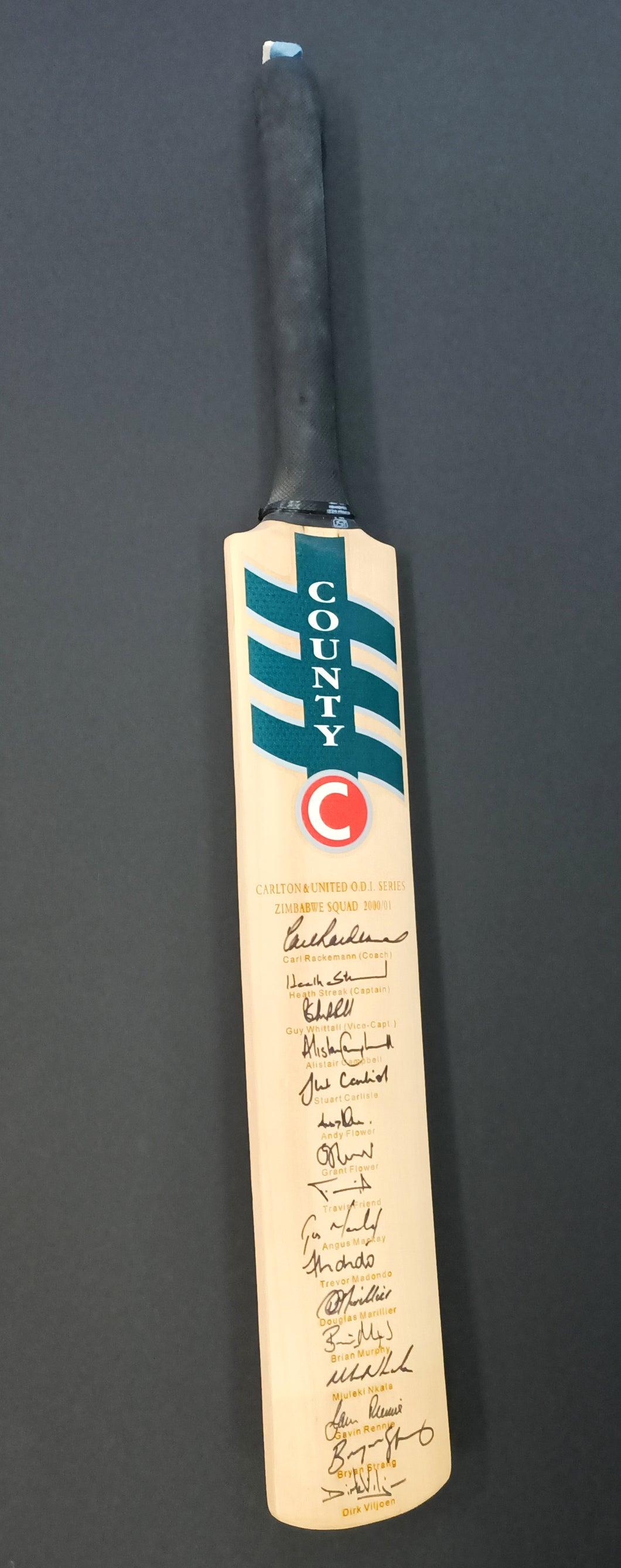 Zimbabwe Squad O.D.I Series 2000/01 team signed bat - Heroes Framing & Memorabilia