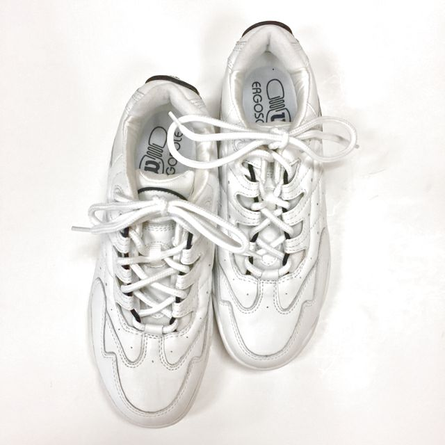 Wilson Lace Up Size 8 Sneakers