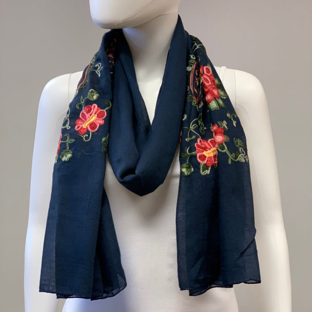 Scarf embroidered