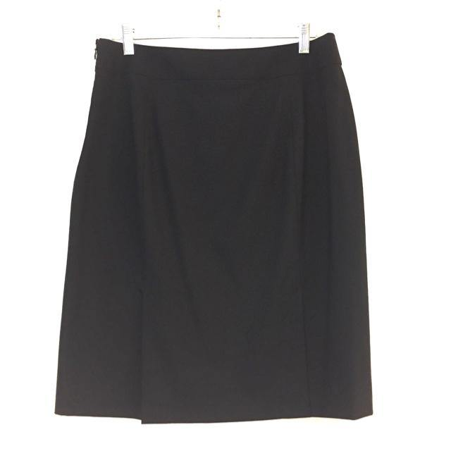 Banana Republic Size 8 Solid Pencil-Knee Skirt