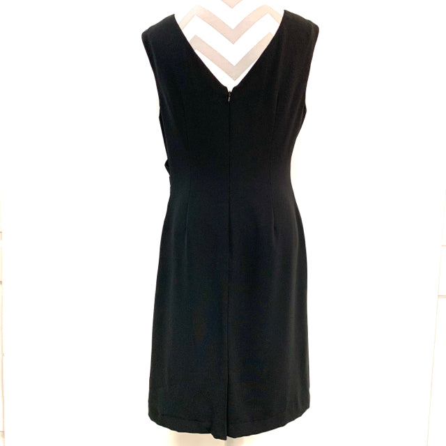 Dress sleeveless solid side gathered