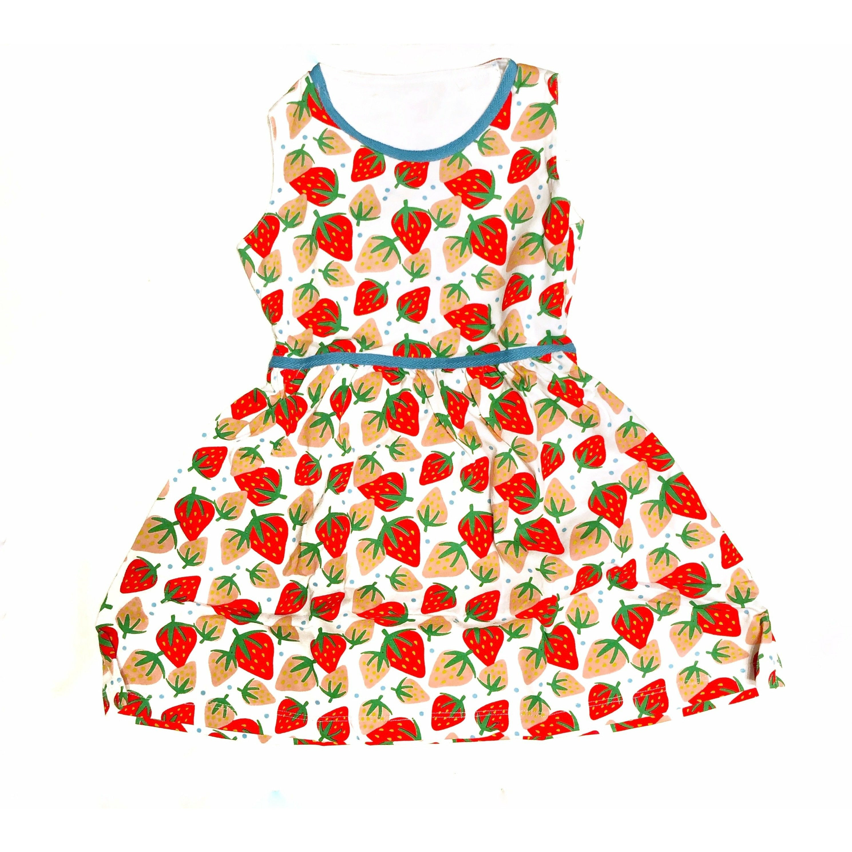 🍓 STRAWBERRY PRINT DRESS
