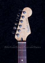 Load image into Gallery viewer, 1992 Fender Stratocaster MIM