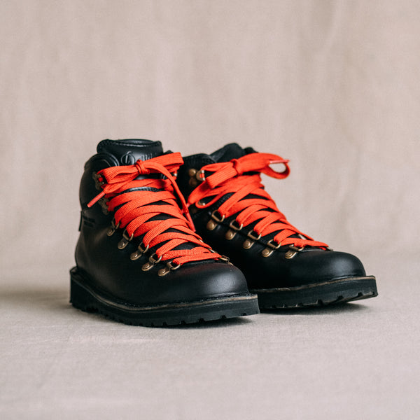 Danner Mountain Pass Black