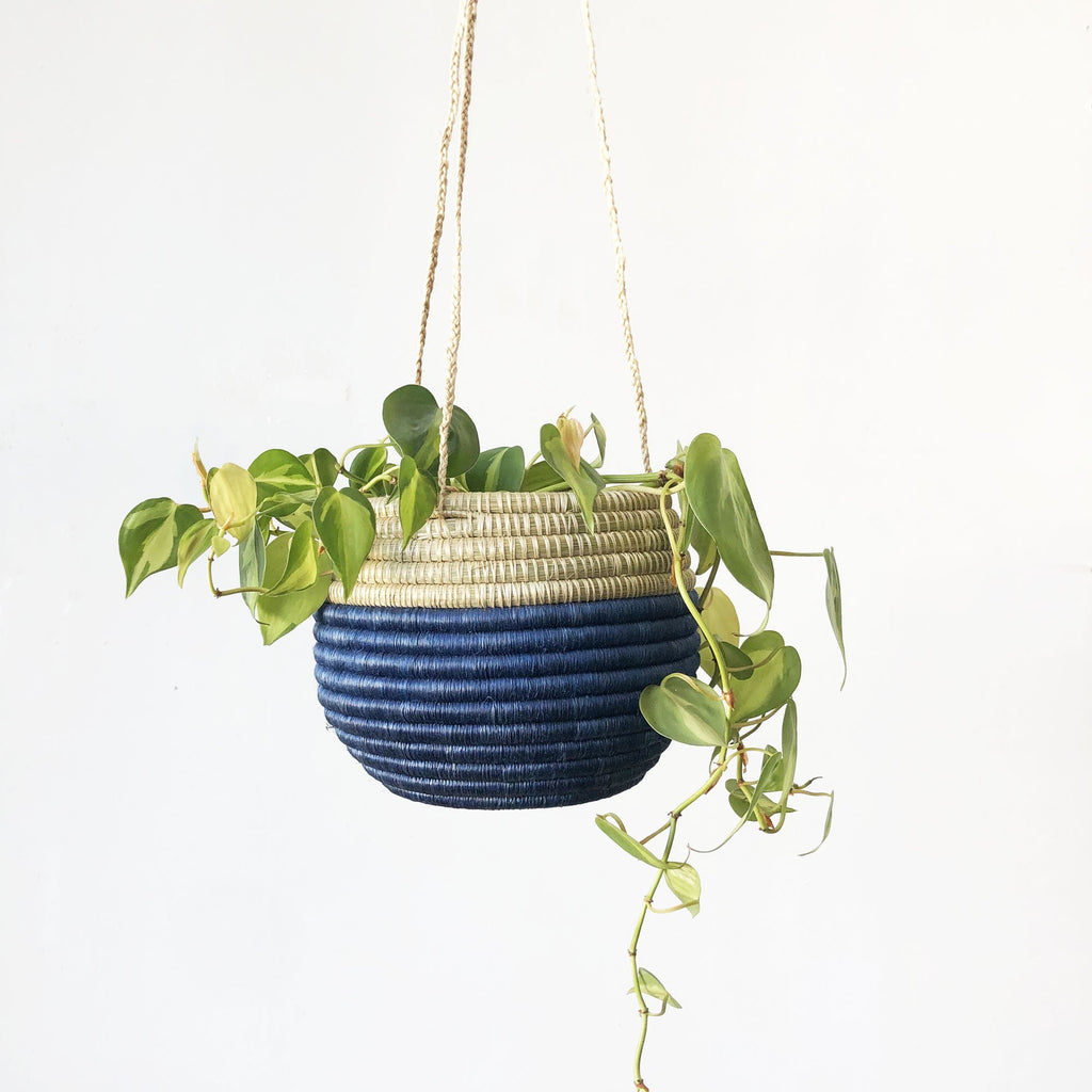 HANGING WOVEN PLANTER - BLUE/SWEETGRASS