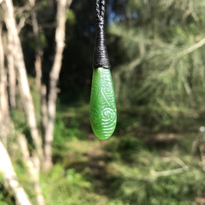 'Balance' teardrop pendant (New Zealand jade)