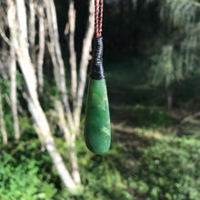 Load image into Gallery viewer, Teardrop (New Zealand jade)