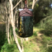 Load image into Gallery viewer, Toki (Australian black jade) Pendant