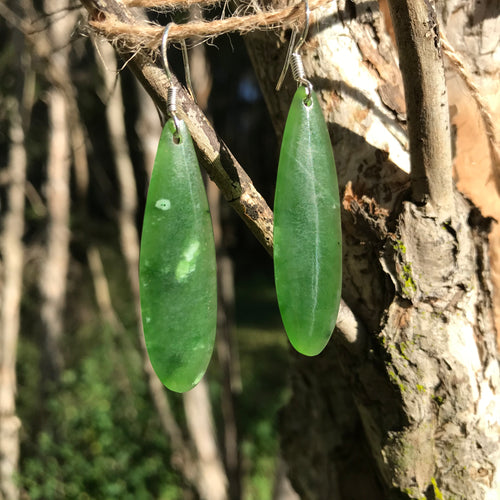 Leaf earrings (New Zealand jade)