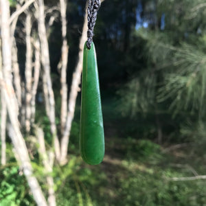 Teardrop pendant (New Zealand jade)