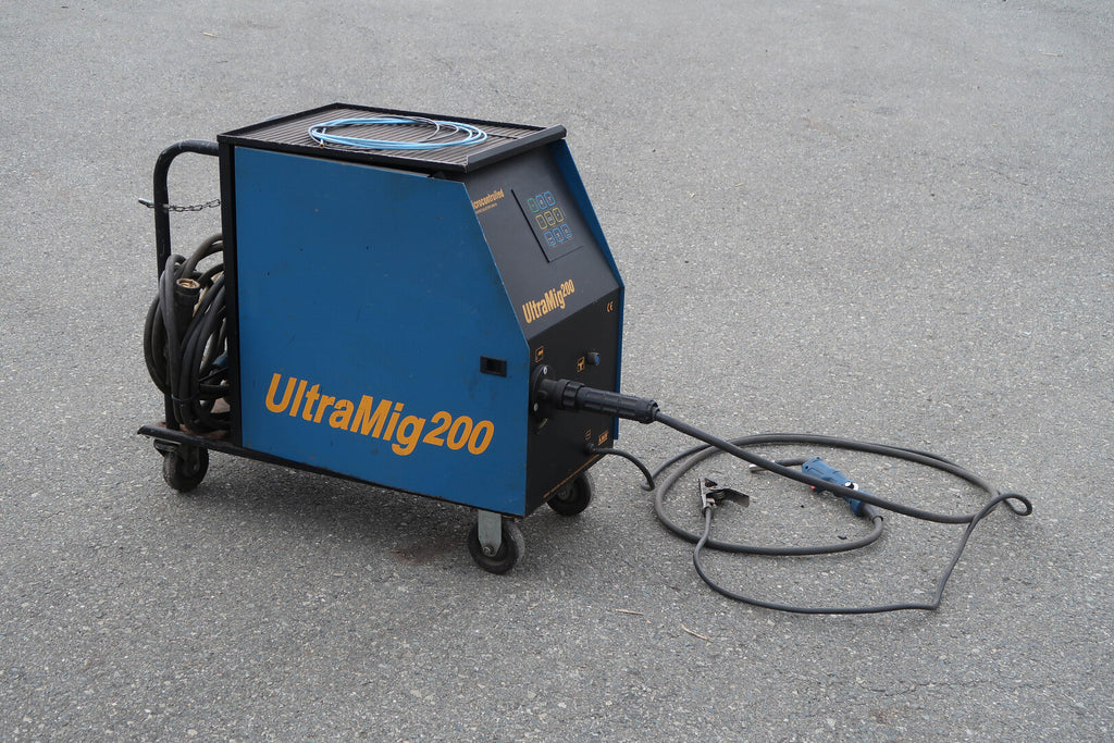 Microprocessor-Controlled Synergic MIG Welder No. ULT200