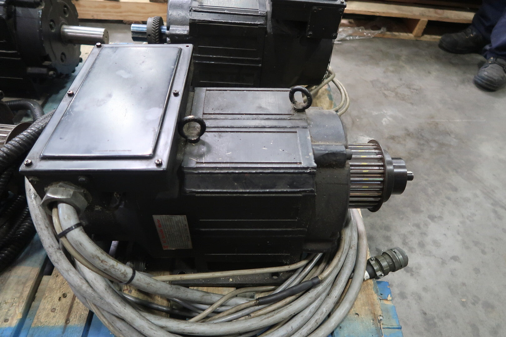 YASKAWA Electric Spindle Motor