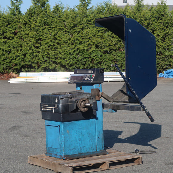 HOFMANN GEODYNA 85 Wheel Balancer