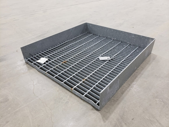 Serrated Grating Endplate w/ Kick Plates (34.5