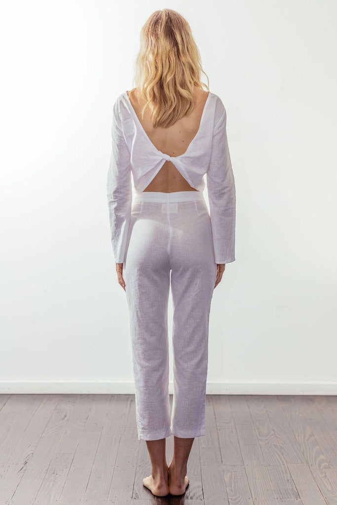 canyon classic high rise crop pant | white