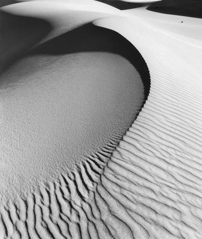 CURVED DUNE, DEATH VALLEY