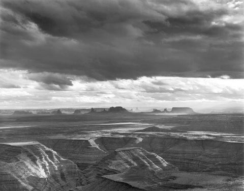 MONUMENT VALLEY, EVENING CLOUDS, FROM MULEY POINT