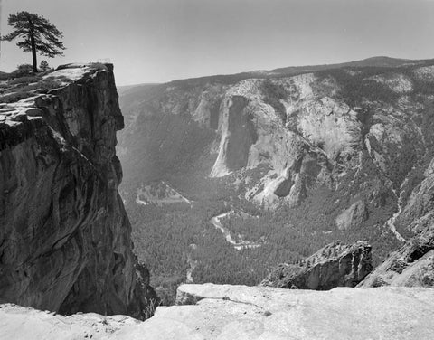 TAFT POINT FROM THE FISSURES, YOSEMITE