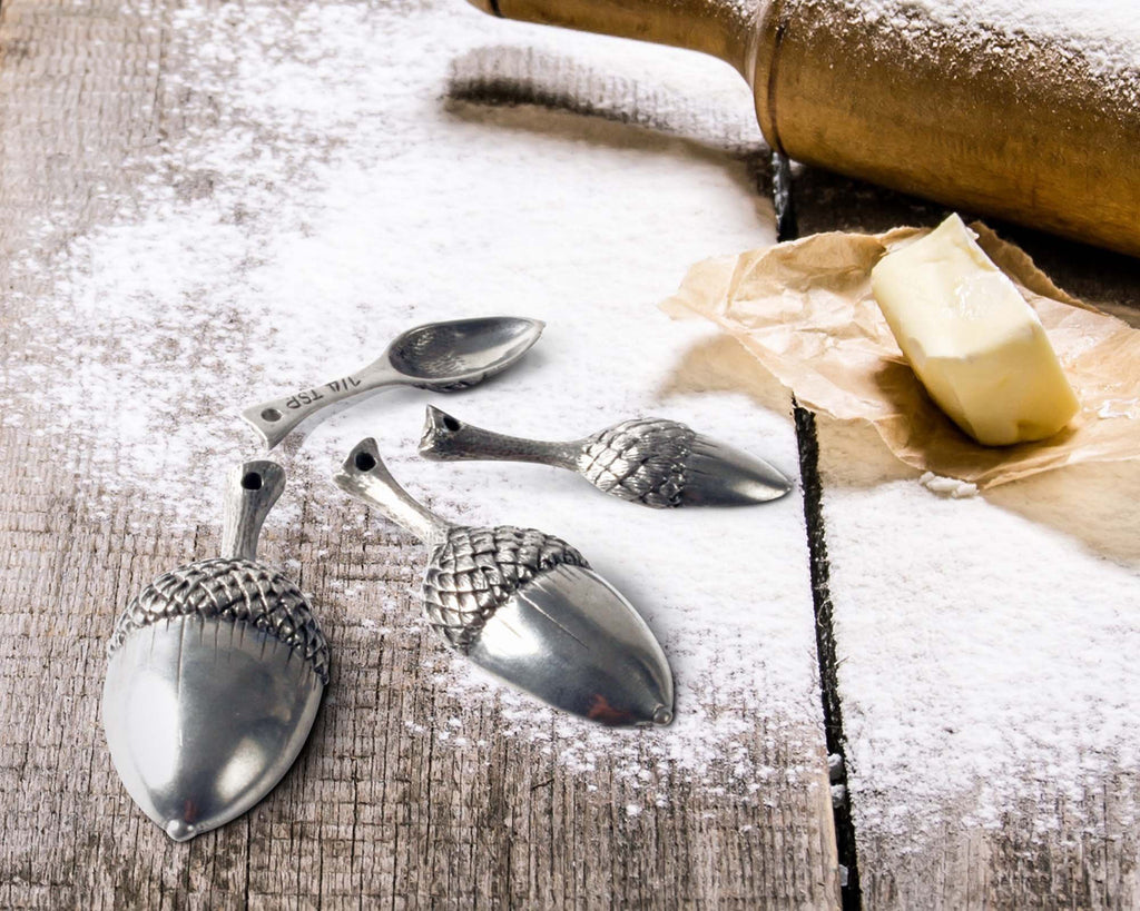 Vagabond House Majestic Forest Pewter Acorn Measuring Spoons L132A