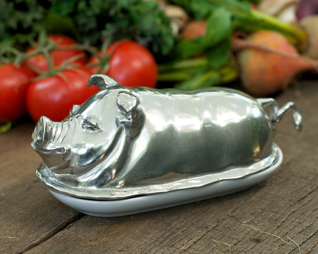 Vagabond House Garden Friends Happy Pig Butter Dish P108