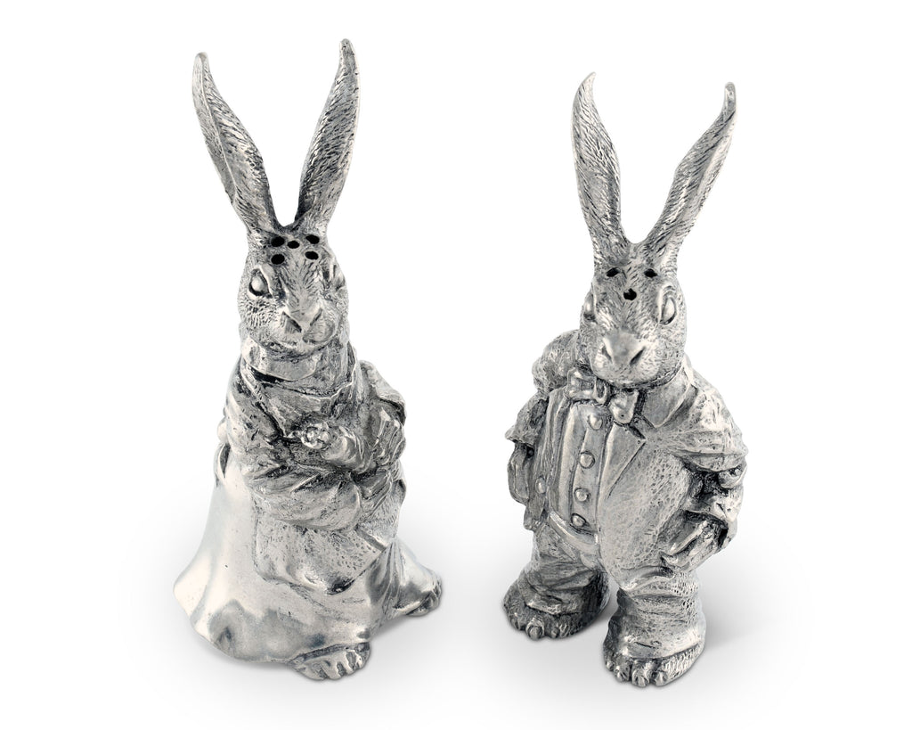 Vagabond House Garden Friends Dressed Rabbits Salt & Pepper Set R116B