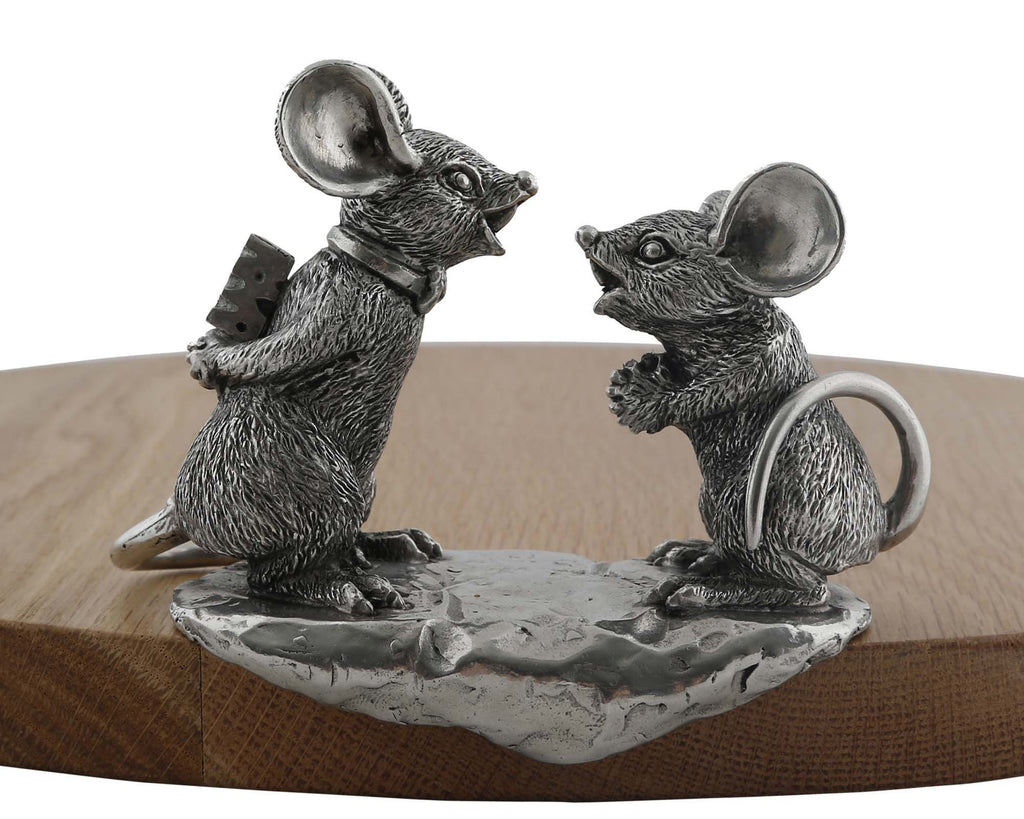 Vagabond House Garden Friends Sharing Mice Cheese Board S201M