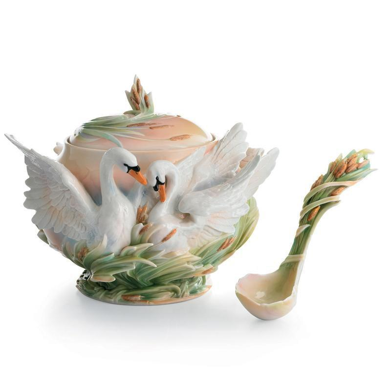 Franz Collection Swan & Ladle Tureen FZ01558