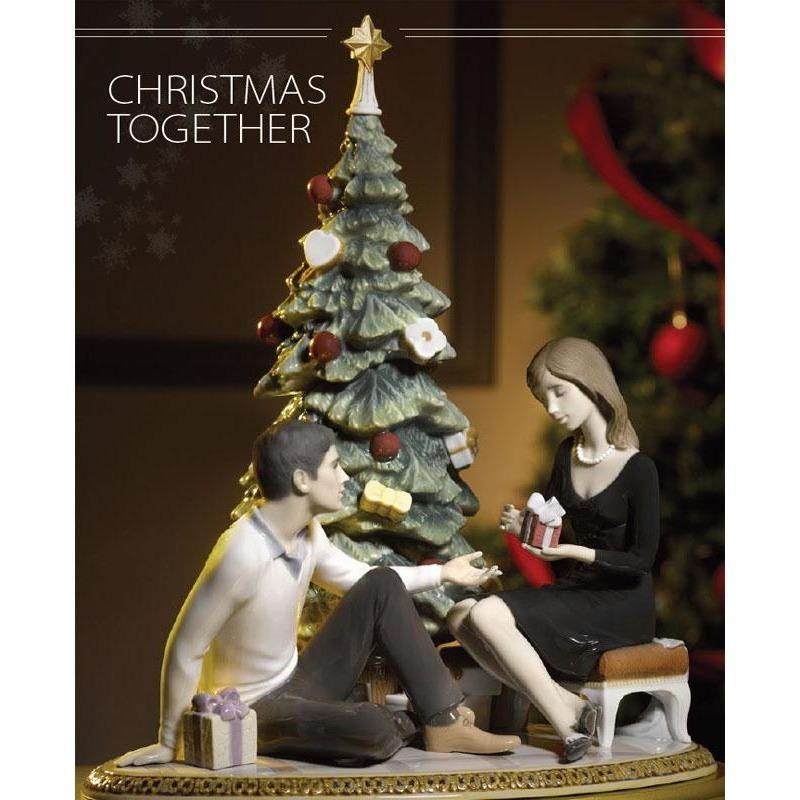 Lladro A Romantic Christmas Figurine 01008665